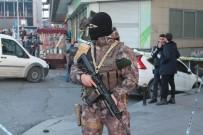 TAKSIM MEYDANı - Taksim'deki Silahlı Kavgada 3 Gözaltı