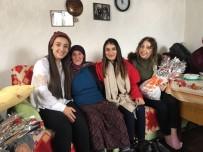 ÜLKÜCÜ - Ülkücü Gençler Kadınlara Çiçek Dağıttı
