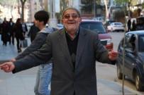 75'Lik Dede Sokak Ortasında Oyun Havası İle Hem Coştu Hem Coşturdu