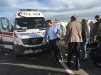 AÇIKÖĞRETİM - Diyarbakır'da Öğrencileri Taşıyan Minibüs Devrildi Açıklaması 16 Yaralı