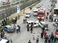 ESKIHISAR - Kocaeli'de 3 Araçlı Kaza Açıklaması 7 Yaralı