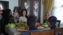 Korunmaya Muhtaç Çocukların ŞEFKAT YUVALARI - Dört Kız Sahibi Çift İki Kardeşe De Kucak Açtı