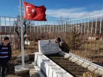 Minik Yiğithan 'Şehitler' Türküsü İle Duygulandırdı