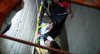 HAVALANDIRMA BOŞLUĞU - Havalandırma Boşluğuna Düşen Çocuk İtfaiye Tarafından Kurtarıldı