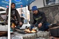 KALAYCILIK - Şehir Şehir Dolaşarak Ekmeklerini Kazanıyorlar