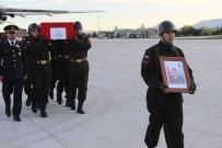 MEHMET EREN - Şehit Uzman Onbaşı Emre Dut'un Naaşı Konya'da