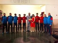 SIVAS DEVLET TIYATROSU - Sivasspor, Dünya Tiyatro Günü'nü Kutladı