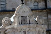 Tarihi Şadırvan Saatine Kavuştu