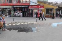 Ağrı'da Vatandaşlar 3 Boyutlu Resim Çizen Öğrencileri Şaşkınlıkla İzledi