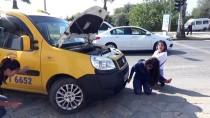 HÜSEYIN GÜLER - Araçların Motor Kısmına Giren Kedi Tamirhanede Yakalandı