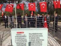 Bakan Özlü, Ömer Halisdemir'in Mezarını Ziyaret Etti