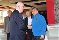HALIL ÜNAL - Başkan Kazım Kurt'tan Eskişehirspor'a Ziyaret
