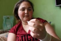 Genç Kızın Vücudu İğne Üretiyor