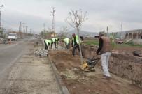 YAYA KALDIRIMI - İncesu Belediye Başkanı Zekeriya Karayol Parke Çalışmalarını Yerinde İnceledi