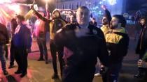 TÜRK POLİS TEŞKİLATI - Kavga İhbarına Giden Polisler Sürprizle Karşılaştı
