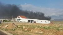 Niğde'de Çerçeve Fabrikasında Yangın