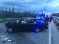 Otomobil Karşı Şeride Geçti Açıklaması 2 Yaralı