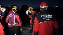 HASAN CAN - Uludağ'da Kaybolan Genç 11 Saatlik Çalışmayla Rağmen Bulunamadı Calışmalar Sabah Devam Edecek