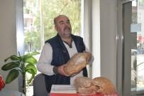 Ürettiği Doğal Ekmekleri Kilis'teki Askerlere Yolladı