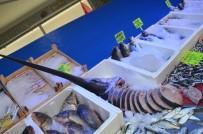 35 Kiloluk Kılıç Balığı 2 Saatte Tükendi