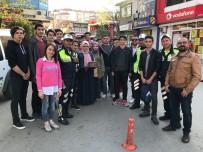 AK Gençlik'ten Polise Pastalı Bayram Sürprizi