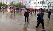 ZIRAAT MÜHENDISLERI ODASı - Gaziantep'te Dolu Ve Sağanak Yağış Hayatı Felç Etti
