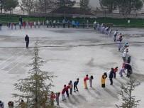 İlkokul Öğrencileri Sabah Sporunda