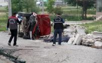 Kaldırıma Çıkan Otomobilin Çarptığı Kadın Öldü