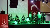 Sağlık Çalışanlarından Türkü Konseri