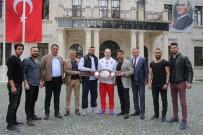 HATAY VALİSİ - Şampiyon Boksörden Askerlere Moral Ziyareti