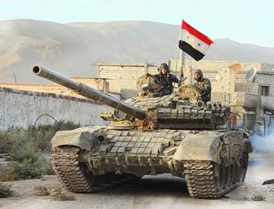 Suriye ordusu havalimanları ve askeri üsleri boşaltıyor