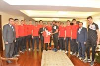 OSMAN KAYMAK - U21 İşitme Engelliler Erkekler Voleybol Milli Takımı Samsun'da Kamp Yapıyor