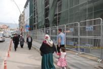 TOPLUMSAL OLAYLAR - Emniyet Binasında Polis Bariyerli Önlem
