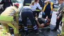 İTFAİYECİLER - TEM Otoyolu'nda 3 Aracın Karıştığı Kazada 3 Sürücü Yaralandı