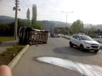 Tokat'ta Minibüsle Otomobil Çarpıştı Açıklaması 4 Yaralı