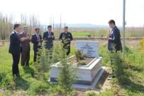 Altıntaş Protokolü, Şehit Polis Elvan Özbay'ın Mezarını Ziyaret Edip Dua Etti