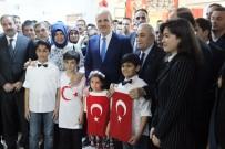Bakan Kurtulmuş Ve Fakıbaba, Türkçe Öğrenen Suriyeli Çocuklara Kitap Dağıttı