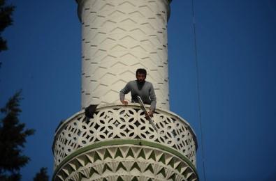 Minarede pompalı dehşet