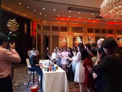 Ebru sanatı Çin'de tanıtıldı