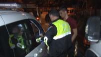 RAUF DENKTAŞ - Ehliyetsiz Genç Sürücü Polise Yakalanınca 'Babama Bir Şey Olacak Mı?' Diye Sordu
