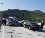 HATALı SOLLAMA - Geyve-Taraklı Yolunda Trafik Kazası Açıklaması 1 Ölü, 3 Yaralı