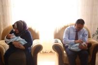 İSLAMOĞLU - İkiz Bebeklerine Recep Tayyip Ve Ömer Halis İsmini Verdiler