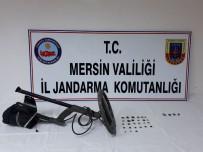 Jandarma Ekipleri Tarihi Eser Kaçakçısını Yakaladı