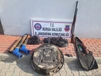 RÖGAR KAPAĞI - Jandarma Kablo Hırsızlarını Yakaladı