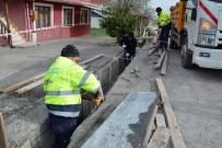 ARSLANBEY - Kolaylı Caddesinde Yağmursuyu Izgara Çalışması