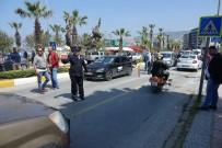 AHMET KAYA - Kuşadası'nda Trafik Kazaları Açıklaması 3 Yaralı