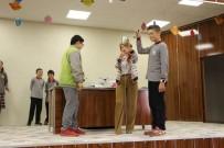 Öğrencilerden 'Mucit Abla İle Küçük Mucitler' Gösterisine İlgi