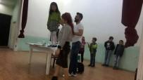 Şaphane'de ''Mucit Abla'' Miniklere Bilimi Sevdirdi