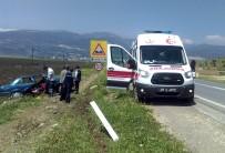 Yoldan Çıkan Otomobil Tarlaya Girdi Açıklaması 1 Yaralı