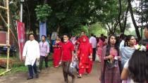 YENI YıL - Bangladeş'te Yeni Yıla Renkli Karşılama